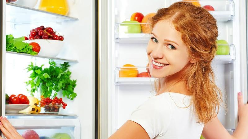 Hur rengör man ett kylskåp?