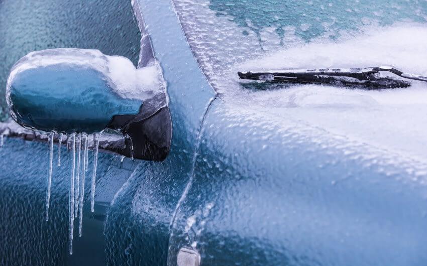 Tips för att ta bort isen från bilen