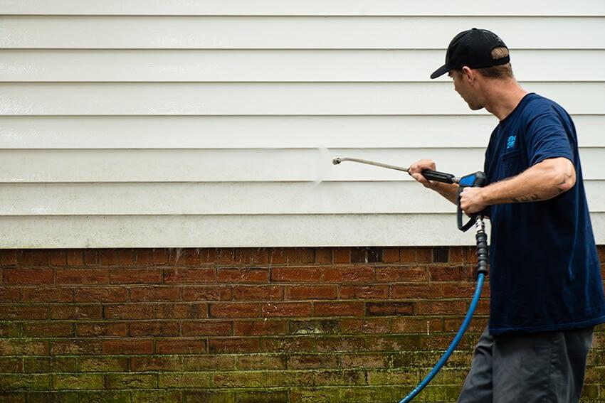 Så tvättar du ditt fasad hus och får glansen tillbaka